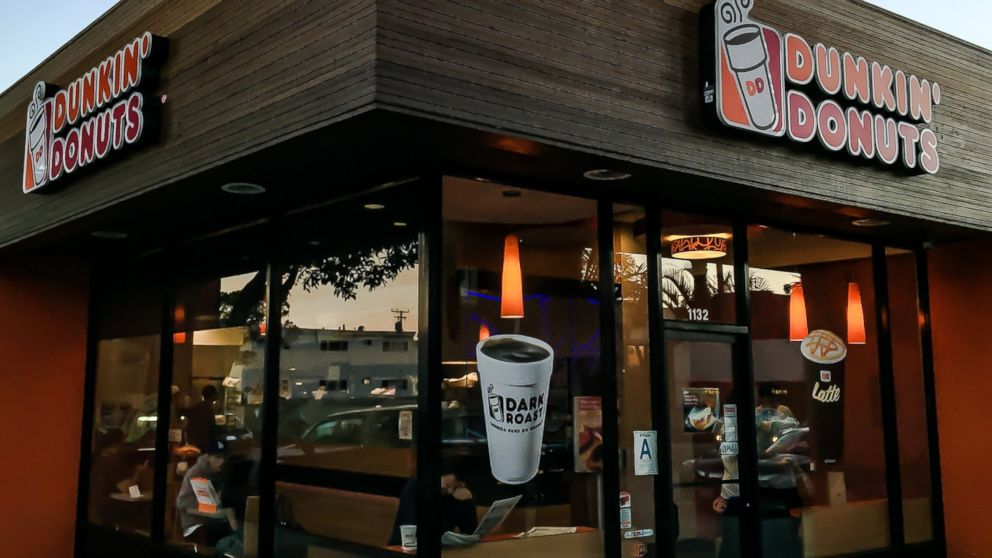 compare customer service between starbucks and dunkin donuts Analysis of yummy dunkin donuts - introduction dunkin' donuts is an american global doughnut company and coffeehouse chain based in canton, massachusetts and was founded in 1950.
