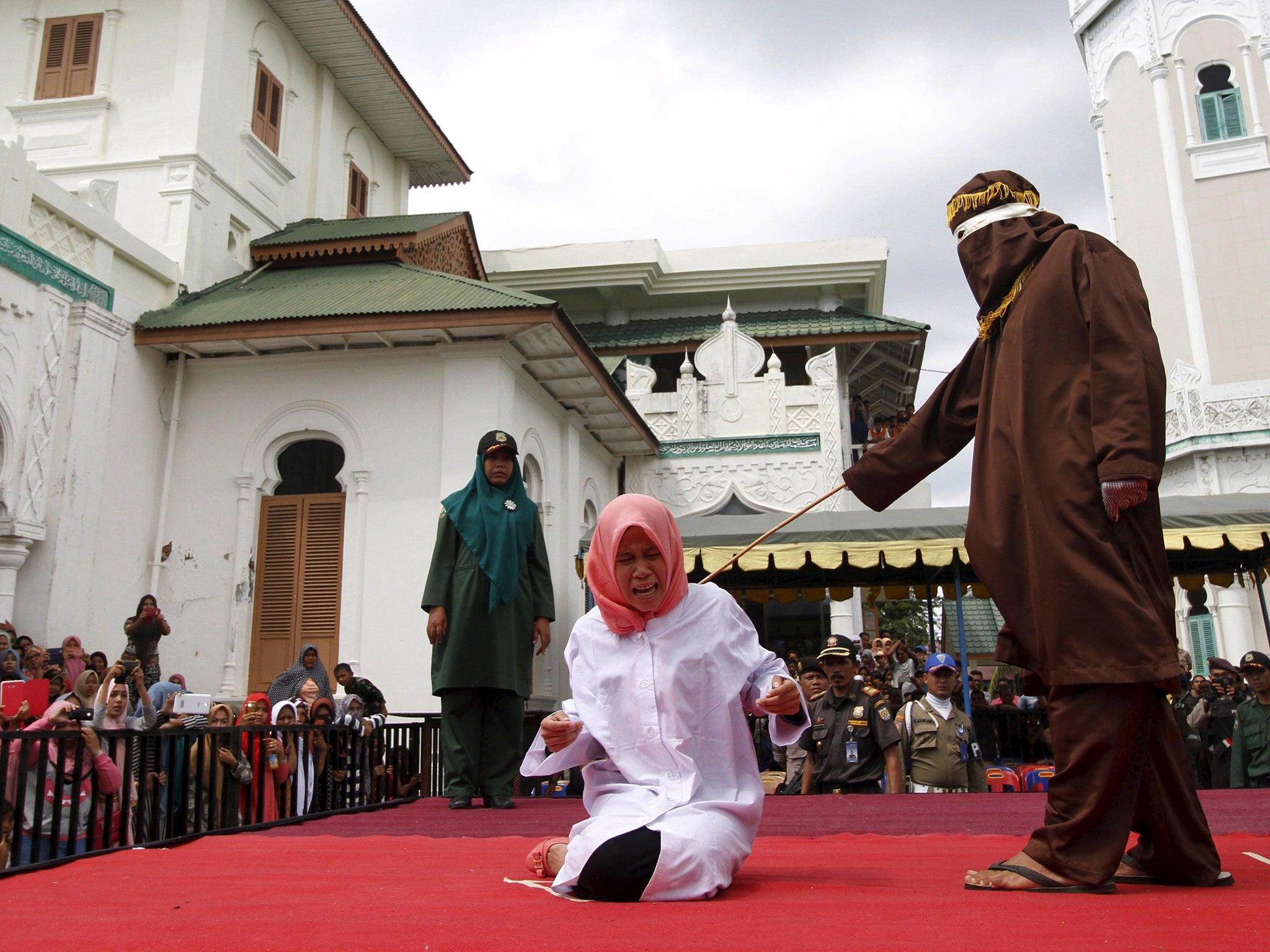 Смотреть бесплатно публичное наказание 14 фотография