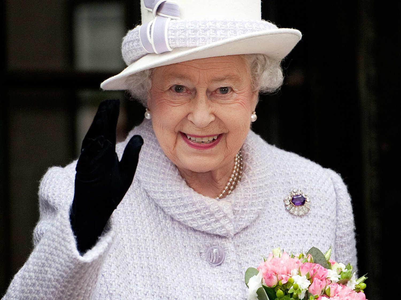 Queen Elizabeth 2 Essay